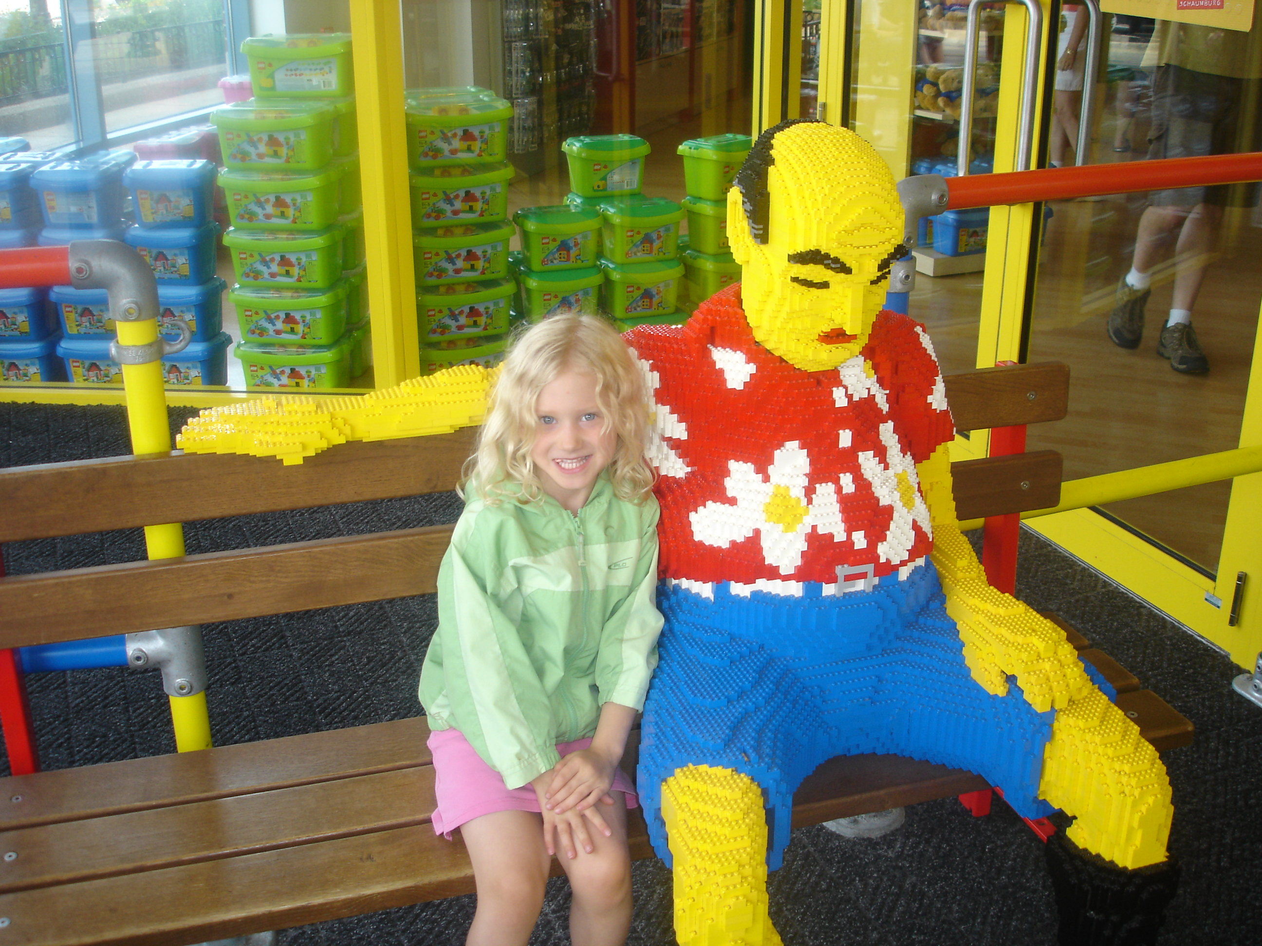 Hangin' with the locals at Legoland Discovery Center